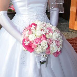 """""""Bridal bouquet white pink rose stephanotis"""" by Photo by and (c)2007 Jina Lee - Own work. Licensed under CC BY-SA 3.0 via Wikimedia Commons - http://commons.wikimedia.org/wiki/File:Bridal_bouquet_white_pink_rose_stephanotis.jpg#mediaviewer/File:Bridal_bouquet_white_pink_rose_stephanotis.jpg"""